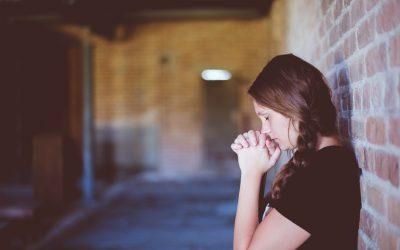 Glaubenssätze, die zu Stress führen (und wie du sie auflösen kannst) – Mit Psychologin Sophia Rossig